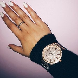 Accessories - Gold watch